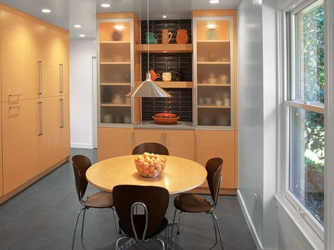 Dining room - Bookcase