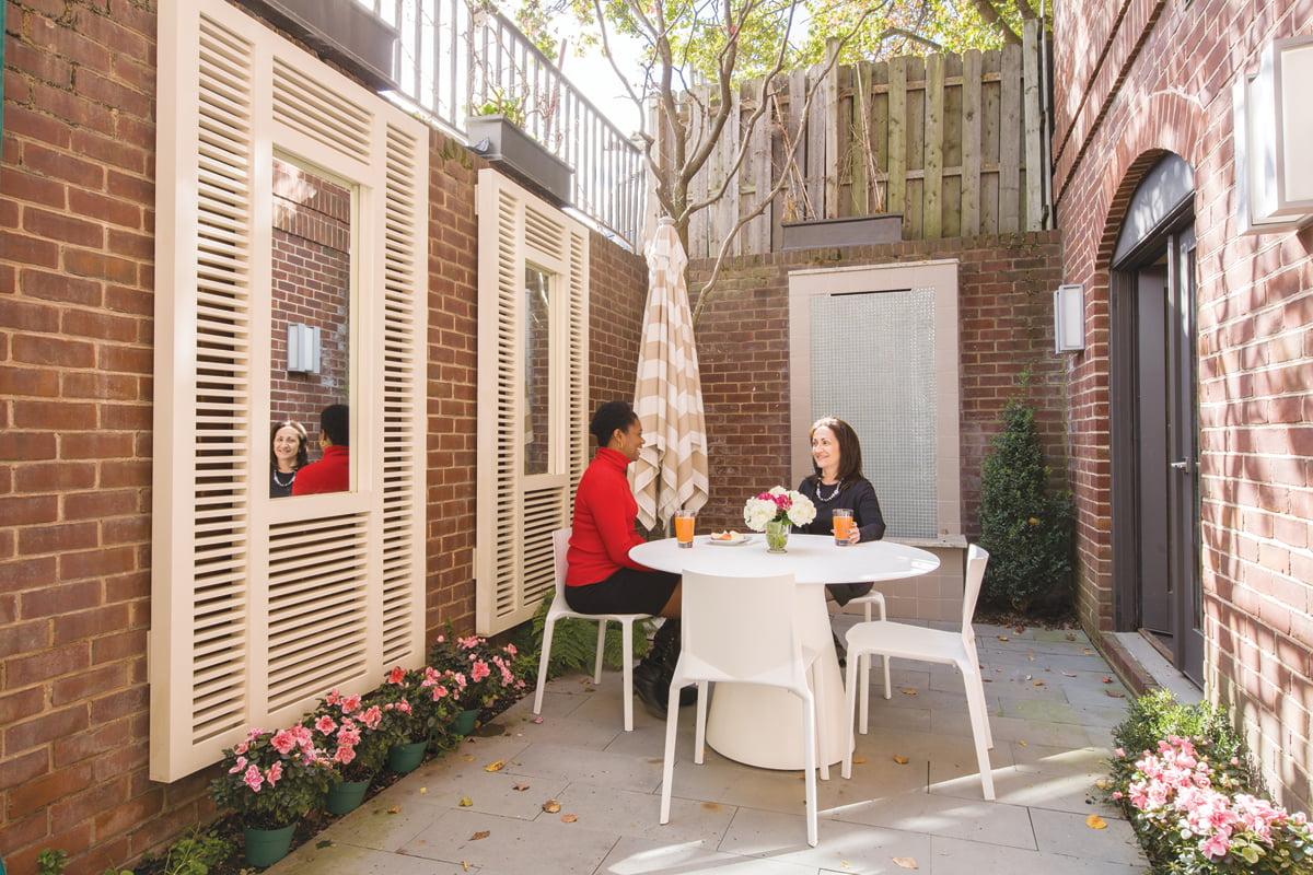 Porch - Courtyard