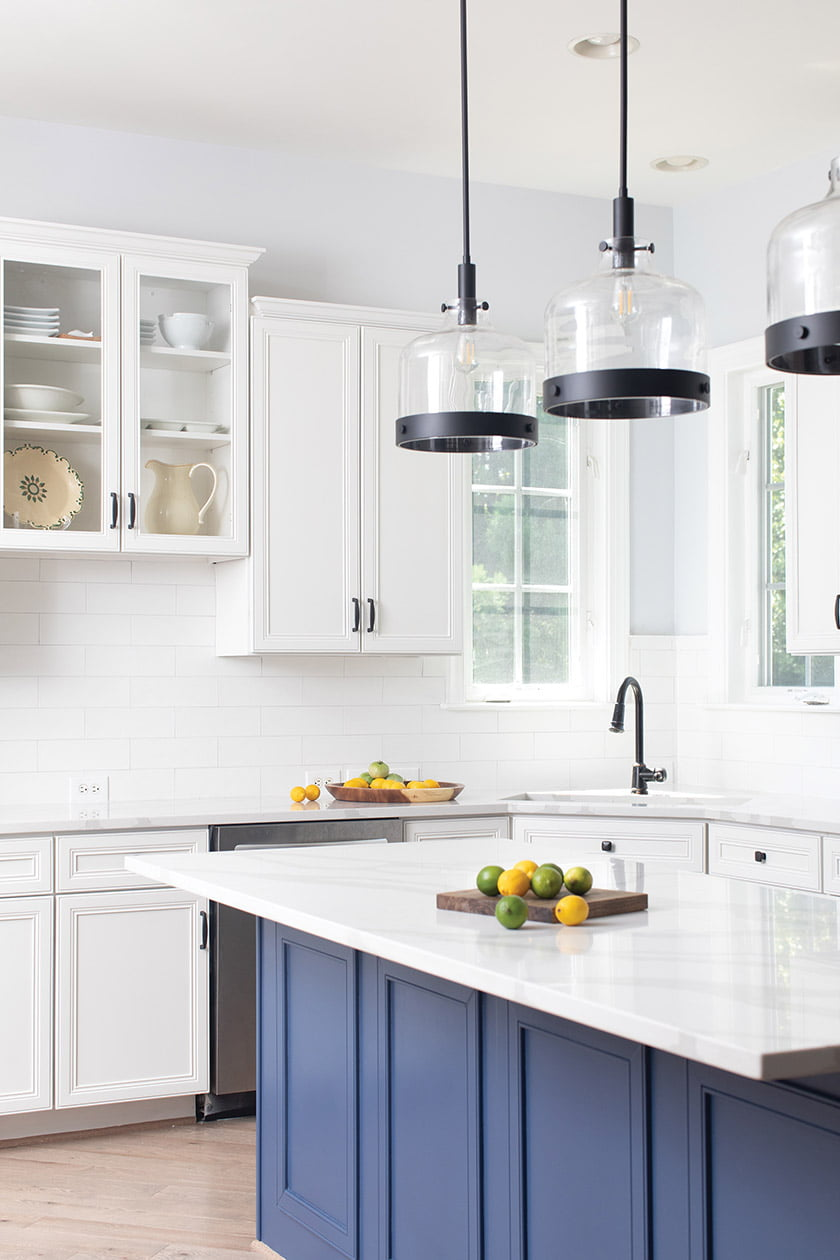 Ruth Gamarra relies on the power of color to remake a stodgy kitchen with fresh flair