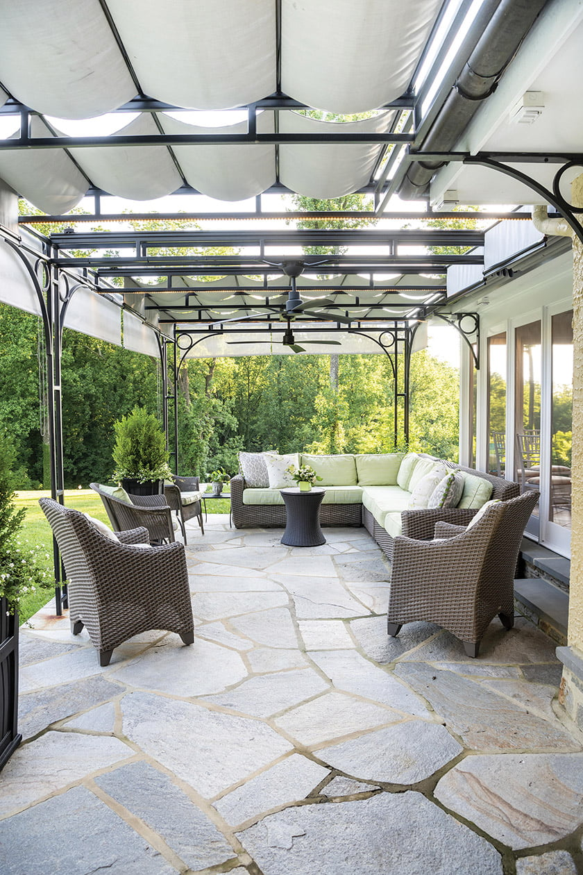 OUTDOOR LIVING under 1,000 Square Feet