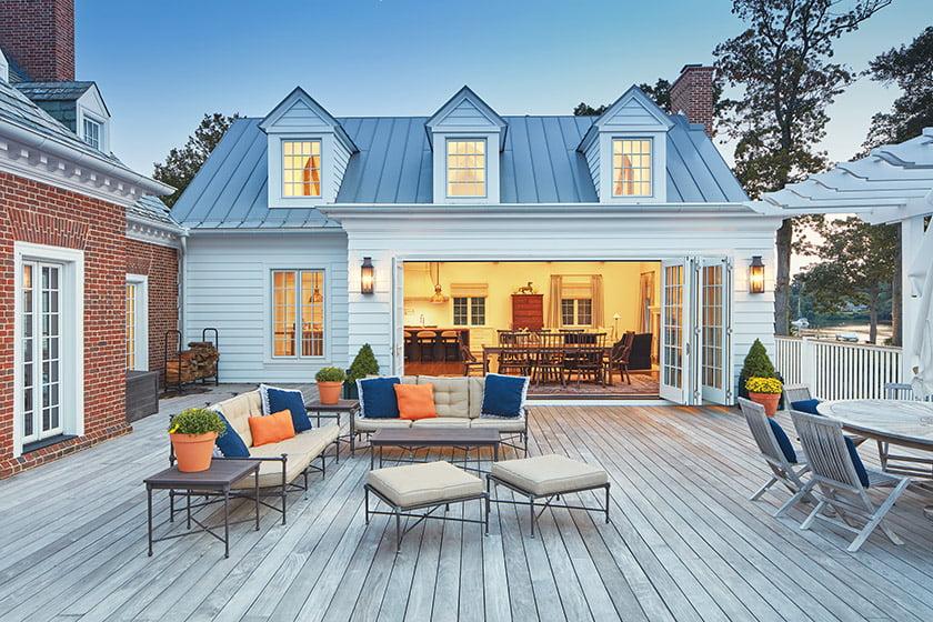 indoor-outdoor-living-deck