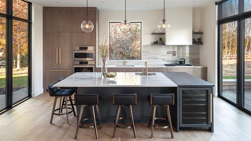 厨房 - 岛 - 带 - 石英岩 - 逆床 - 反斜杠
