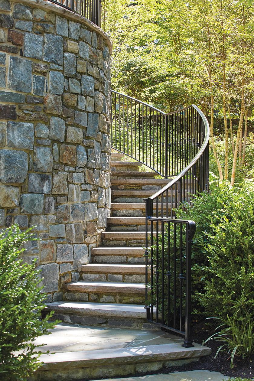 Circular garden staircase