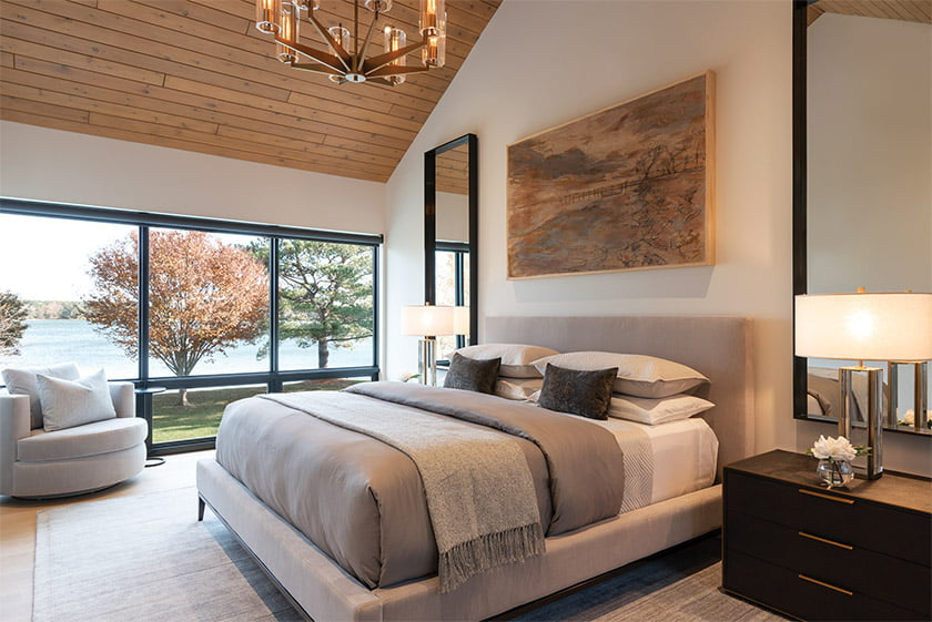 owners-suite-bed