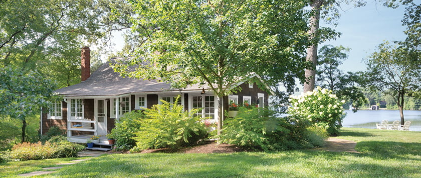 exterior-white-trim-with-weathered-cedar-shingles
