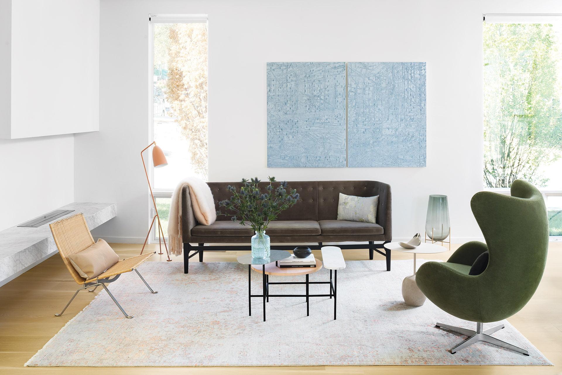 Arne Jacobsen蛋椅和市长沙发到庞克kjaerholm型号pk22柳条椅。