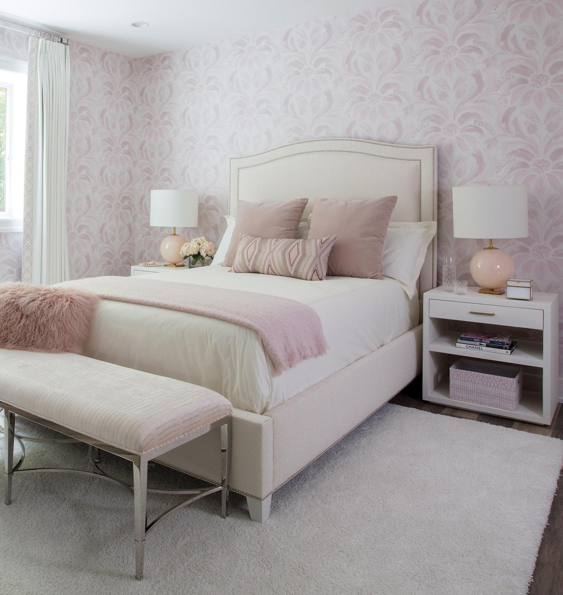 Bonnie Ammon fine bedding